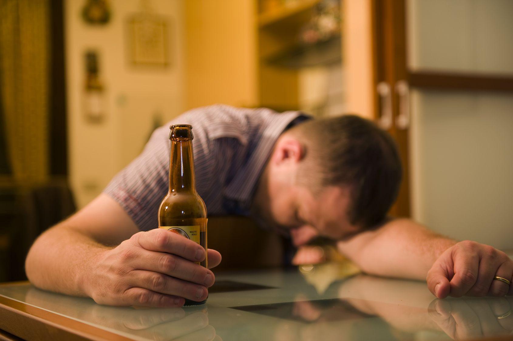 Выход из алкогольного запой в домашних условиях