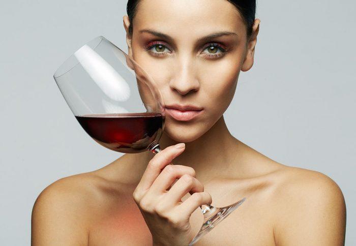 женщина и спиртное